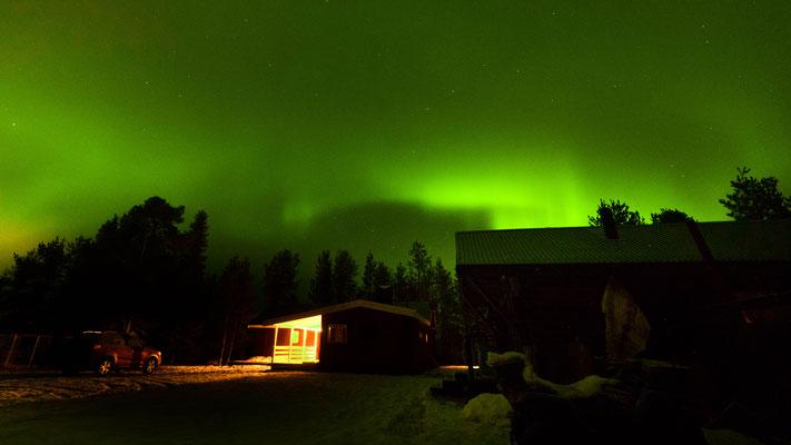 diffuses Polarlicht wie es fast täglich bei wolkenlosem Himmerl zu sehen ist. Kp ~ 1,3