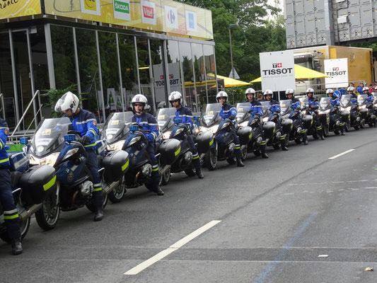 Die stolzen Gendarmen