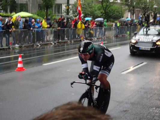 Der Gewinner des späteren letzten Zeitfahrens Macjer Bodnar vom Bora-Team