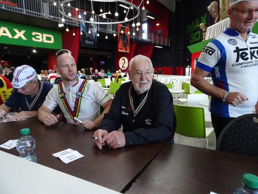 Rainer Erdmann, Jan van Eyden, Dieter Durst und Reimund Dietzen (v .Li)