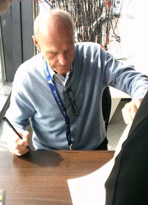 Rudi Altig bei der Autogrammstunde