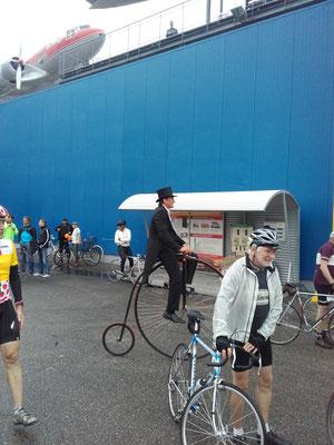 Auch der Hochradweltmeister ist mitgefahren