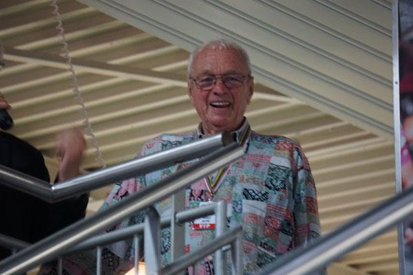 Willi Altig - mit 84 Jahren der älteste Teilnehmer und Fahrer - der Bruder des verstorbenen Namensgeber der Tour