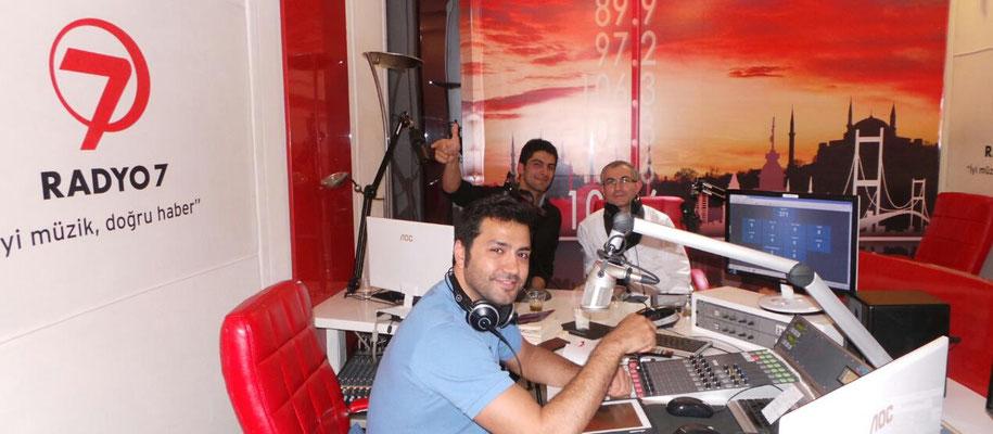 Kanal 7 Radyo'da çok değerli arkadaşım Mustafa Volkan'nın programında yine değerli sanatçı arkadaşımız Yunus Emre ile birlikte