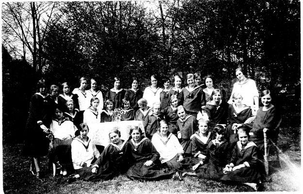 Erste Partie im Hausgarten 1926