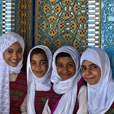 Christa Roßberg Schülerinnen im Oman 2014