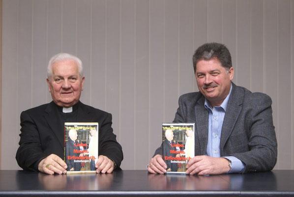 Bischof Franjo Komarica und Autor Winfried Gburek präsentieren das neue Buch in der Europäischen Akademie Banja Luka.