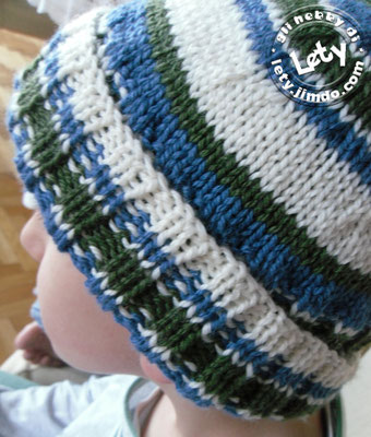 cappellino a righe: http://lionbrand.com/patterns/L10540.html?r=1&r=1