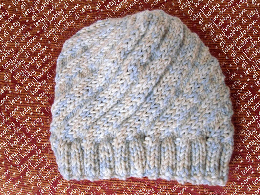 swirl hat - pattern: http://www.ravelry.com/patterns/library/swirl-hat-3