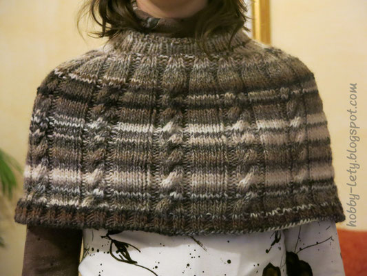 Mantella realizzata con il modello Cappa Claudia de Il mondo creativo di Francesca