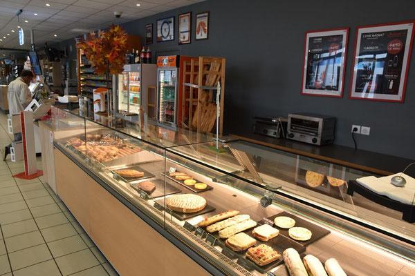 Un petit creux : sandwichs, snacking, plats du jour, à toute heures....