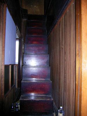 箱階段・現在も利用しています。