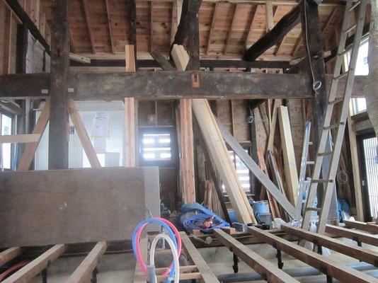 【古民家移築までの過程】   床の材料は新しい物を使います