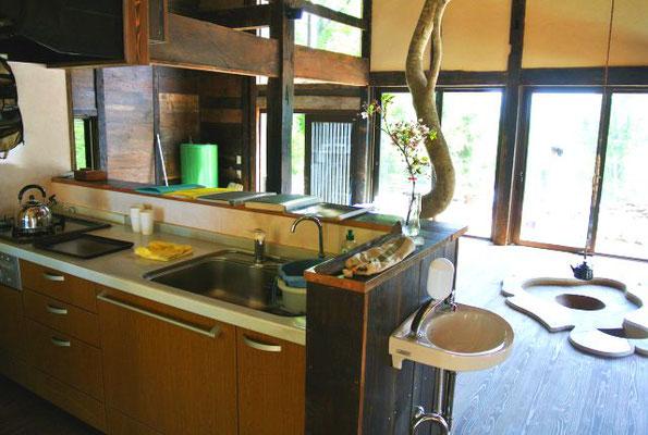 【キッチン】キッチンからの眺め