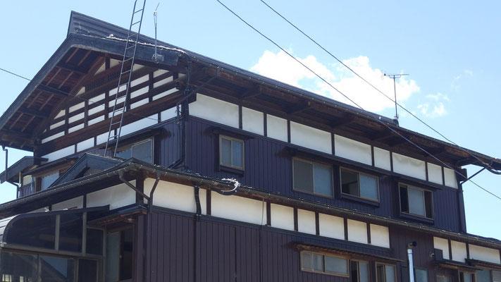 せいがい造りの屋根の向きを変えて リノベーション工事。