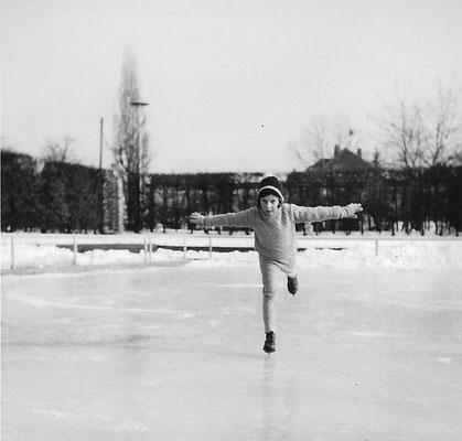Eindrucksvolles Bild von Tanja Großmann: Im Winter konnte man auf der Rollschuhbahn Schlittschuh laufen.