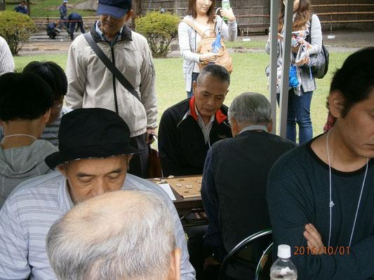 奥の方にいらっしゃるのは100人支部の長野安茂里支部支部長。