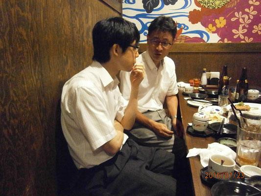 横山先生と山下先生はなにやらまじめなお話をしているようです。