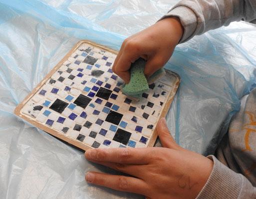 Aufwändig hergestellte Mosaikbilder
