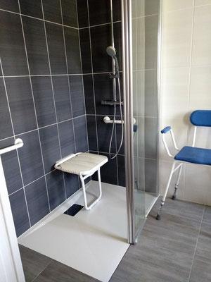Douche encastré aménagée après