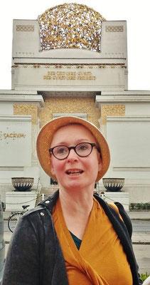 """""""Das kleinste Salontheater"""": Corinna vor der Secession"""