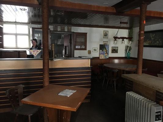 15 Jahre stand das Weinhaus Moser leer. Hier die Theke.