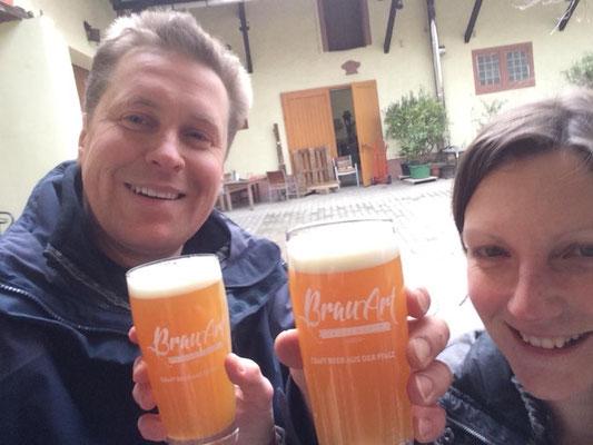 Viele unterschiedliche leckere Biere gibt's bei BRAU-ART, nicht weit vom Weinhaus Moser.