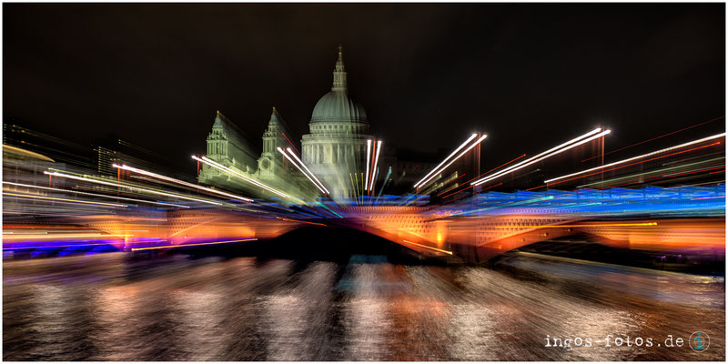 Blick auf St. Paul's über die Blackfriars Brücke, London