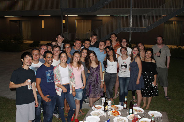 Learn German in Würzburg, leisure activities, barbecue, group photo international students