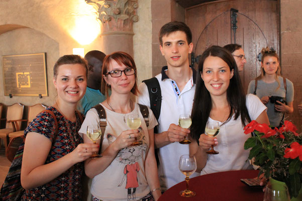German Language Summer Course University of Würzburg, Learn German in Würzburg, cultural programme, reception at the City of Würzburg with Franconian wine, city hall, group photo international students