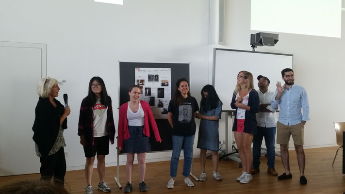 Learn German in Würzburg, German language course, group presentation, group photo international students