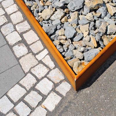 Detail Vorgarten/Cortenstahlkante