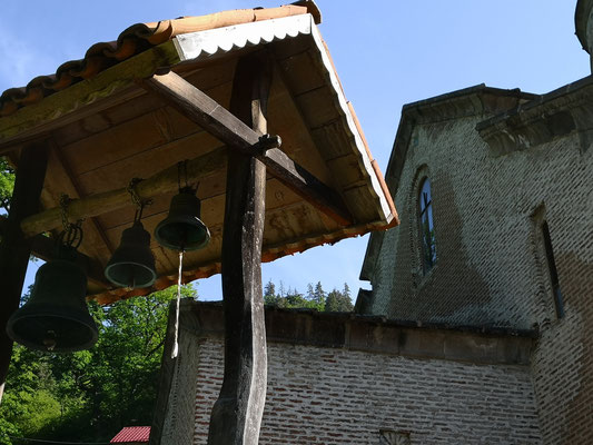 die Glocken hängen immer separat