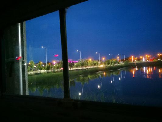 die blinkende Nachtbeleuchtung