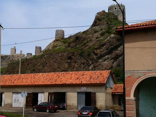 Tanken in Achalziche, gewaltiges Schloß und Festung