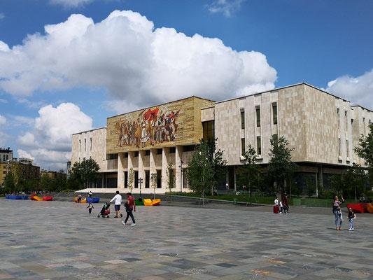 Tirana, Skanderbergplatz