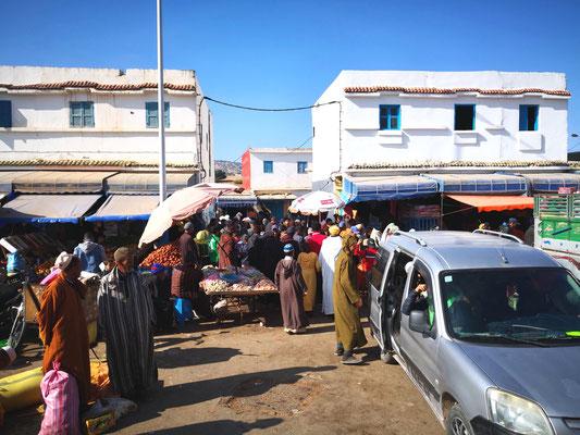Sonntags ist in den kleinen Orten Markttag