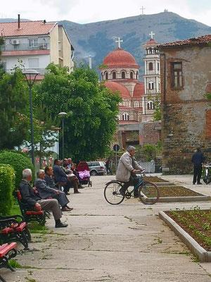 die Fußgängerzone mit der Kathedrale