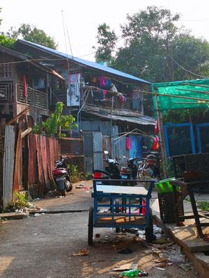Hinweg durch ein Slumviertel
