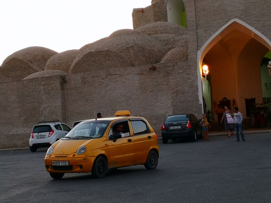 auch die Taxis orange oder gelb