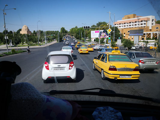 Abschied von Samarkand im Samstagsverkehr