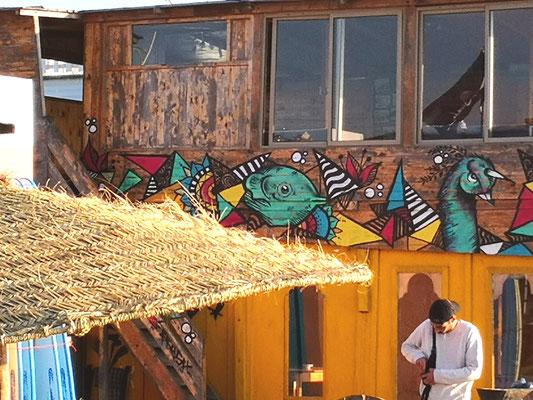 Überall afrikanische Wandmalerei
