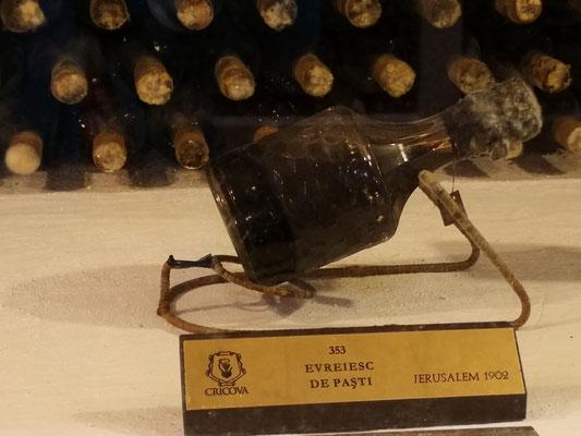 die älteste Flasche von 1902