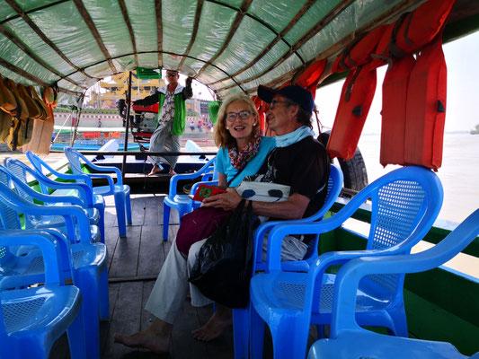 Touristen dürfen nur mit dem Touriboot