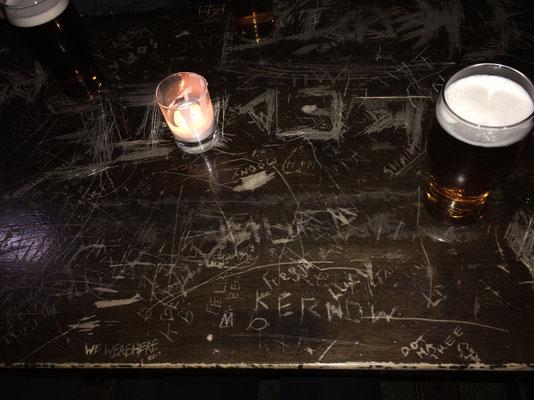 Ein Pub in der Innenstadt mit rockiger Musik und düsterem Kellergewölbe: The Banshee Labyrinth