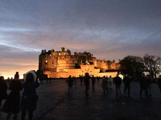 Das Castle bei Nachteinbruch. Na, wer findet den Eskimo im Bild? ;)