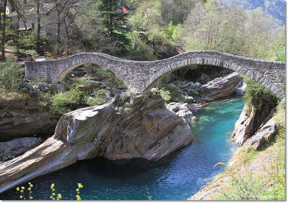 Auch Nathi und Pascal haben die Brücke