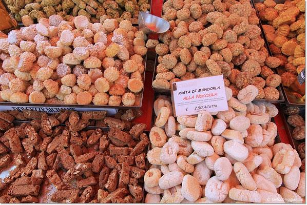 den Markt in Luino besucht.