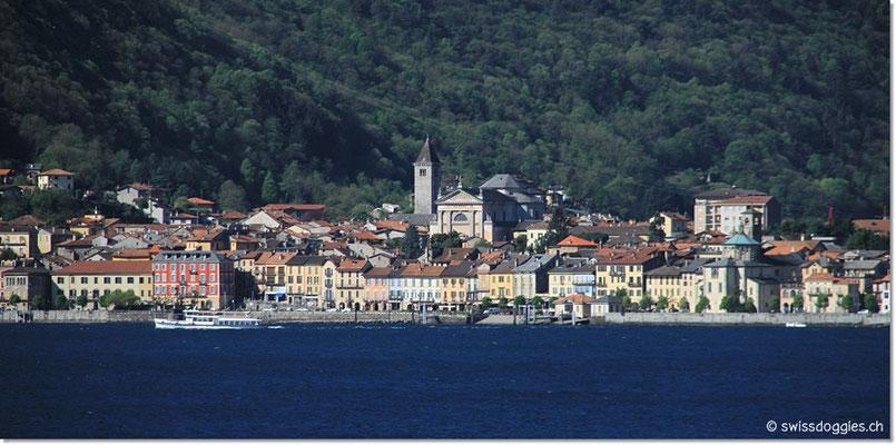 Blick über den See nach Cannobio.
