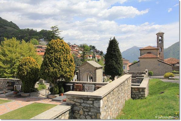 Bei der kleinen Kirche von Brè parkieren wir das Auto.